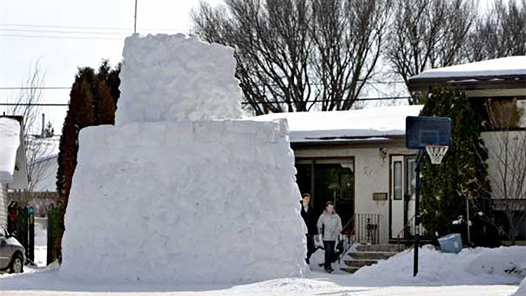 Extreme Snow Fort in Saskatoon - Photo by Gord Walker, Saskatoon Star Phoenix